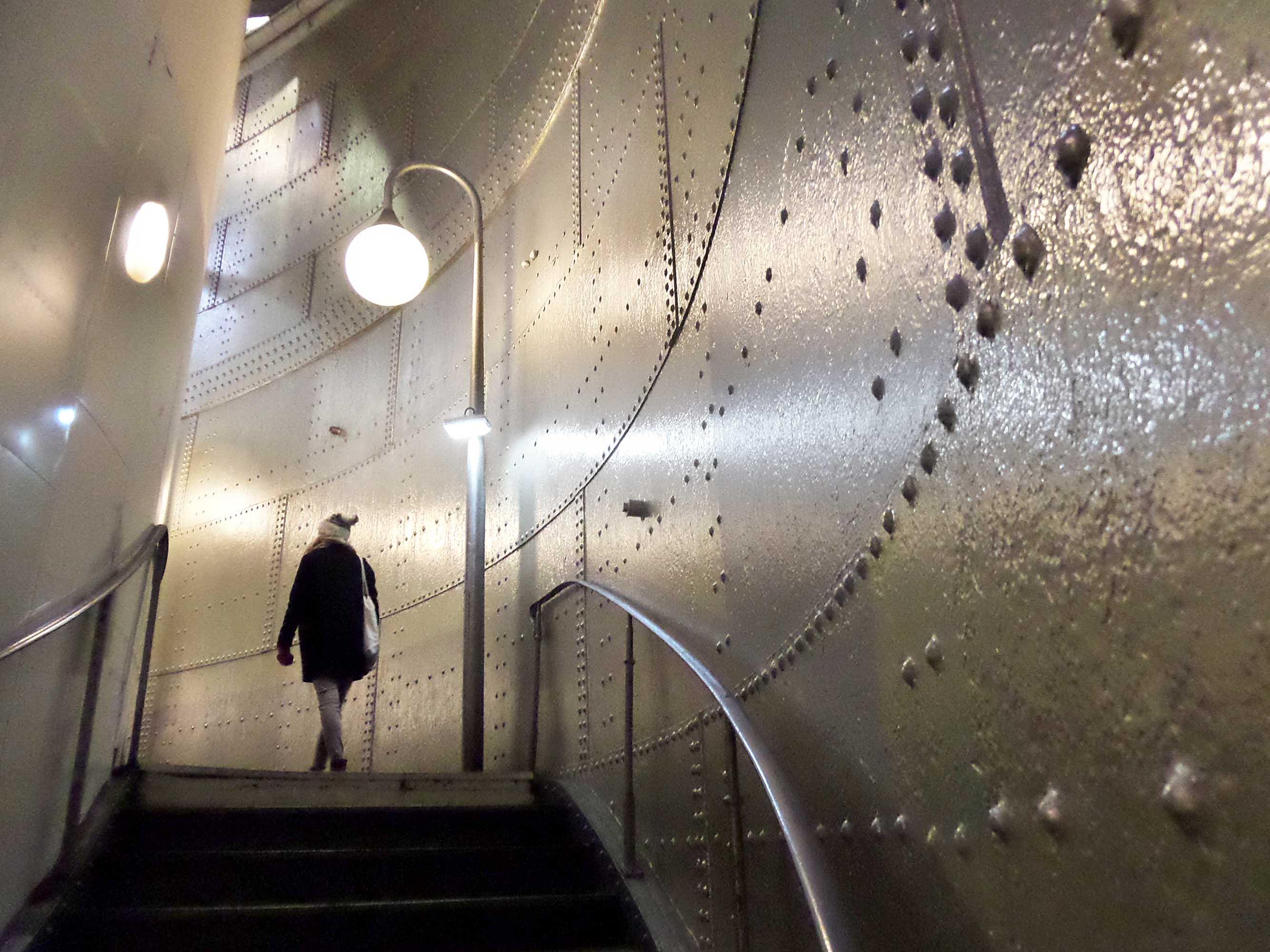 Walking in Paris, copyright: Metterschling 2015
